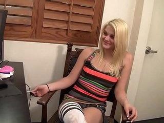 WANKZ- Miss Dallas Just Turned 18 >6 min